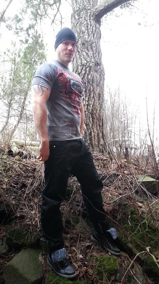 Metallisydän muodin huipulla – Ecko MMA Rise Up