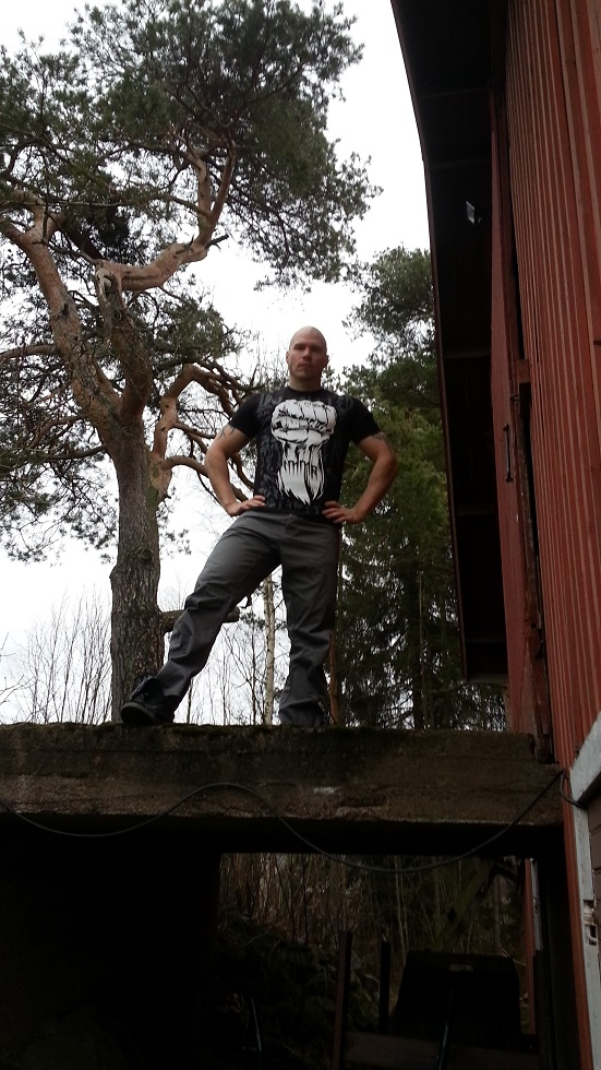 Metallisydän muodin huipulla – Ecko MMA Show of Force