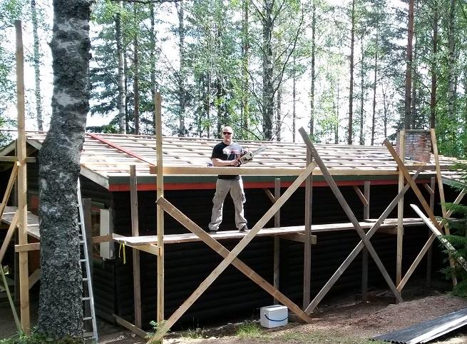 Metallisydän remontireiskana: Mökkiin uusi katto – osa 2