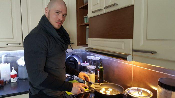Metallisydän kokkaa – Viisi erilaista välipalaa munasta