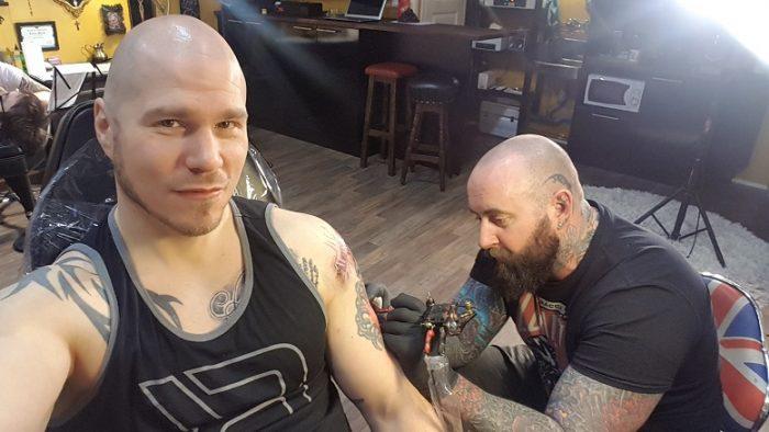 Pääkallokiitäjä Tatuointi