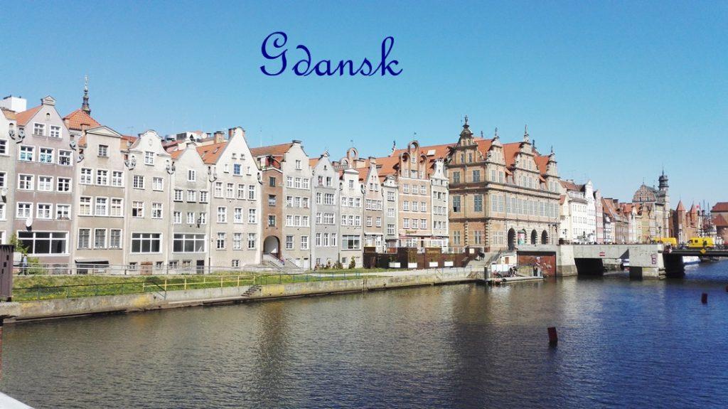Gdanskin hotelli Qubus ja  aamiaisparhautta