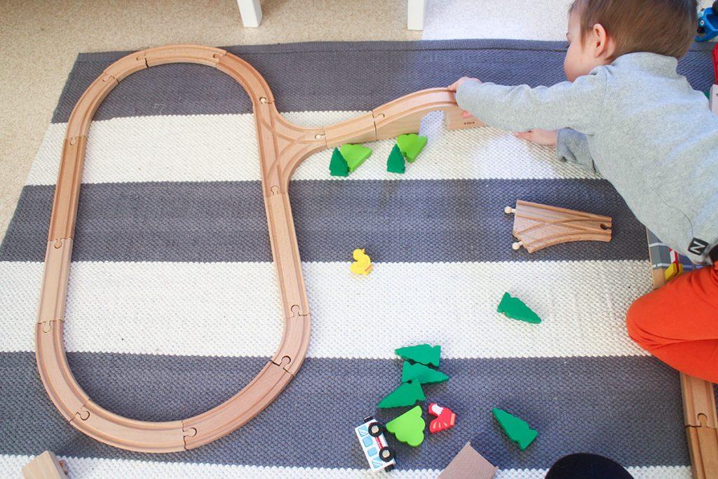 junarataleikkiä