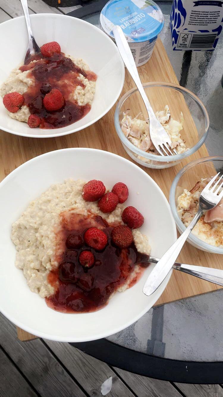 lappi-aamiainen-terassi-bucketlist