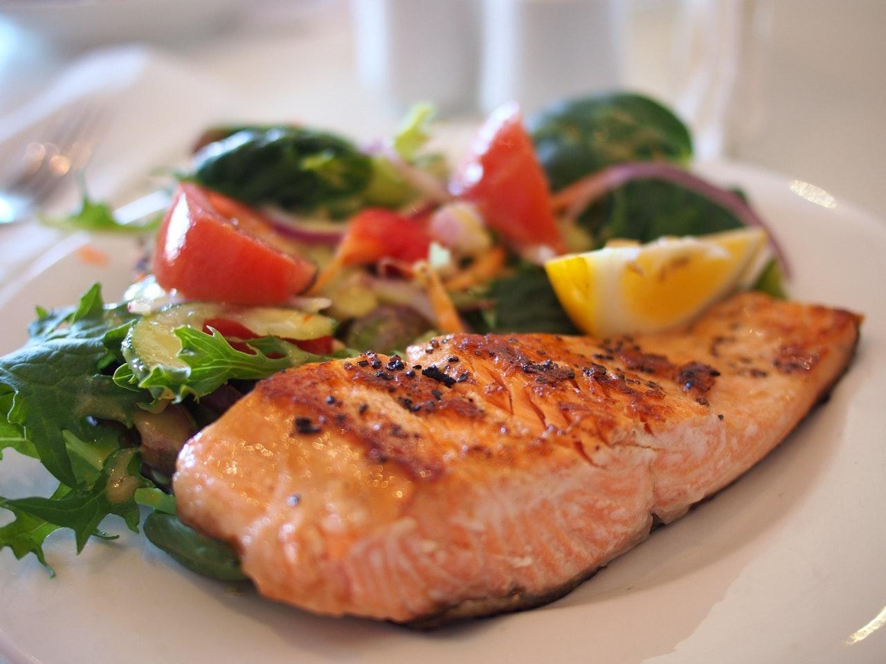 Ruokavalio-Kiinteytyminen-rasvanpoltto-proteiini