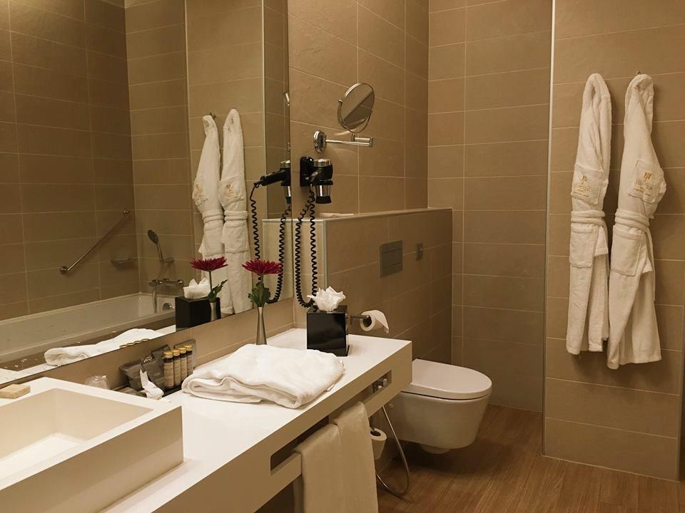 jupiter-hotelli-lissabon-kylpyhuone-portugali