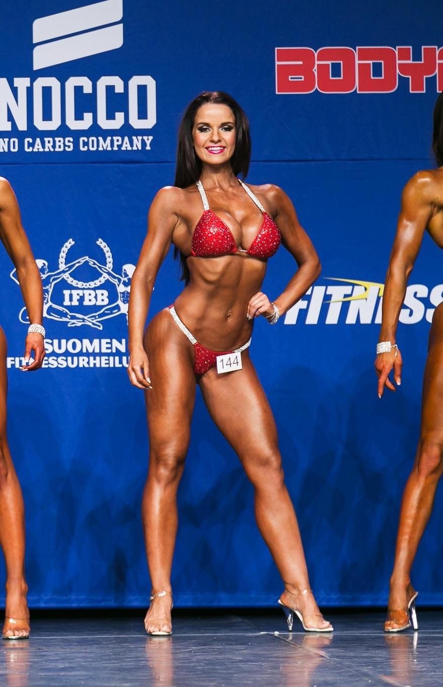 fitnessclassic-pauliinapakarinen-bikinifitness