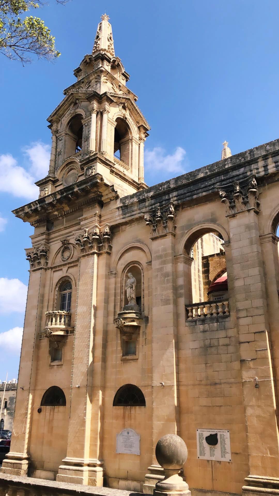 valletta-malta-historia-kirkko