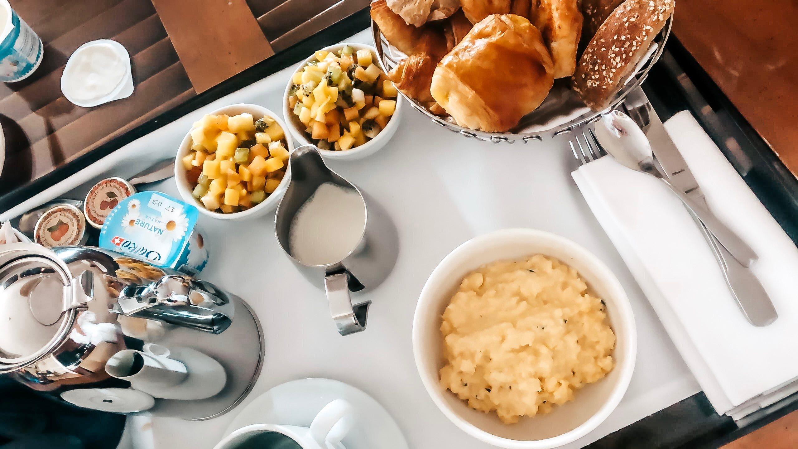 aamiainen-huoneeseen-geneva-jarvi
