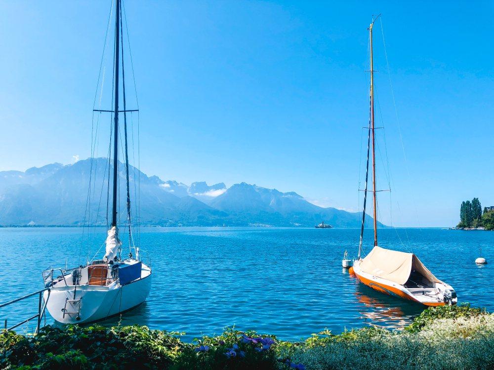 geneva-lake-view-boats-montreux