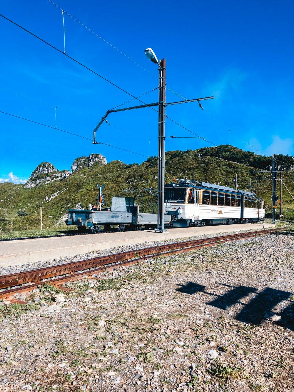 rochers-de-naye-montreux-train