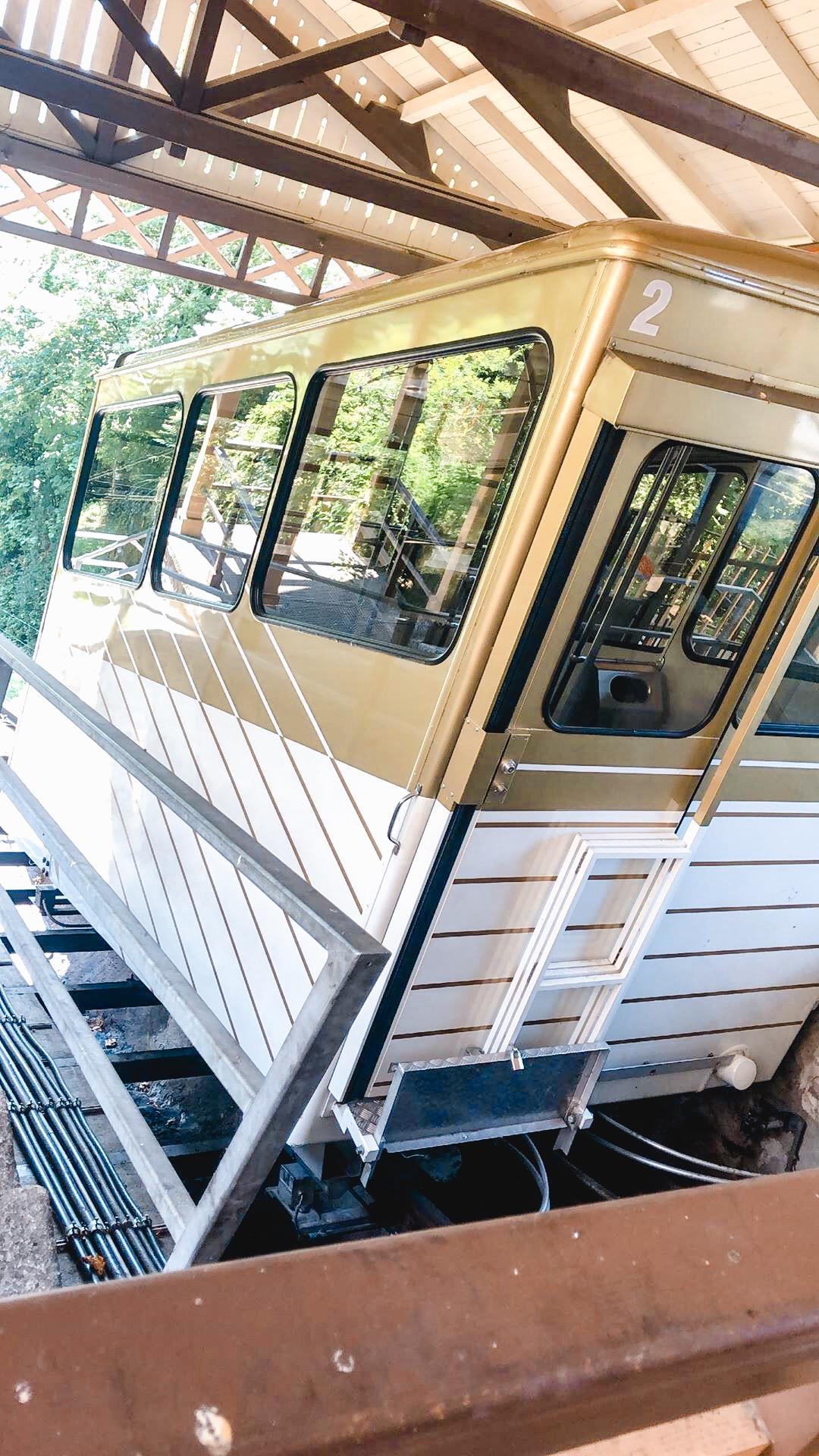 territet-montreux-funi-train