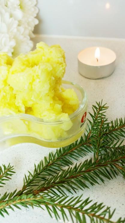 Raikas turvotusta poistava inkivääri-ananas parfait (sokeriton, maidoton)