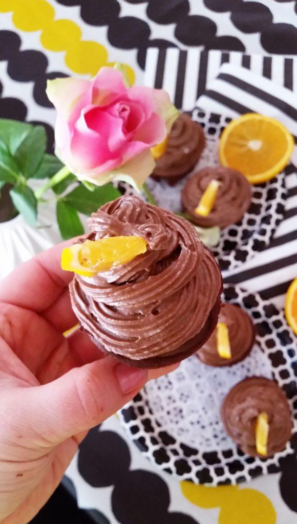 Jauhottomat, sokerittomat Jaffa-suklaa cupcaket!