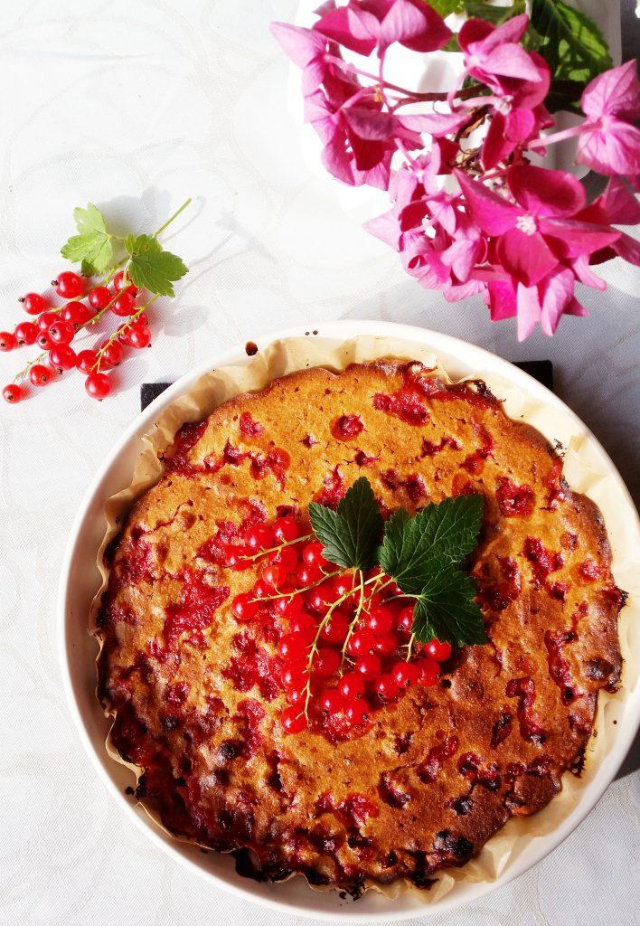 Punaherukkapiirakka (gluteeniton, ilman valkoista sokeria)