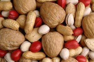 Siemeniä ja pähkinöitä täytyy ruveta syömään enemmän.