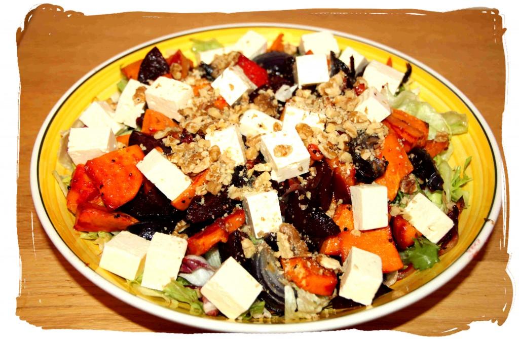 Täyteläinen, ruokaisa, kirpeä, pehmeä, makea... taivaallinen salaatti!