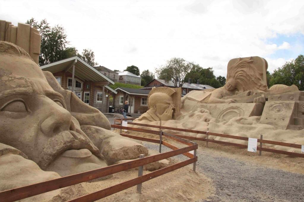 Lappeenrannassa oli hauska hiekkaveistospuisto.