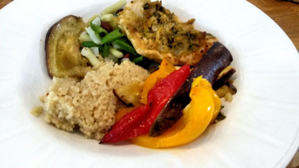 Viikon ruokavinkki: chermoulabroileria ja paahdettuja kasviksia