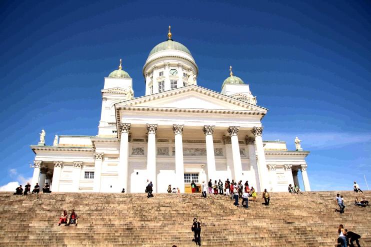 Tämä on mun mielestä maailman kaunein kirkko. Aina yhtä pysäyttävä näky. Ja Helsingissä paistoi aurinko! :)