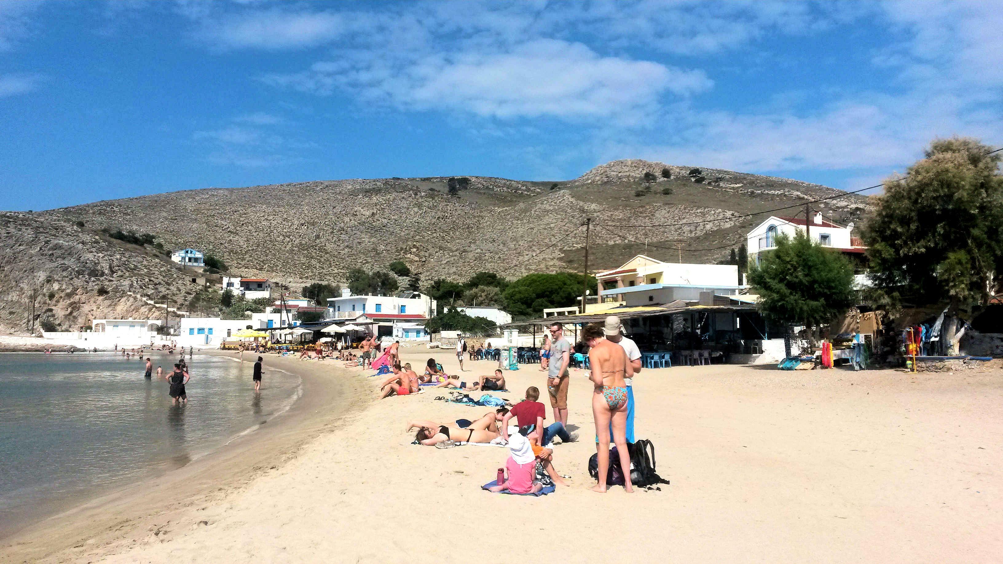 Pserimoksen suojaisa, hienohiekkainen ja kirkasvetinen ranta.