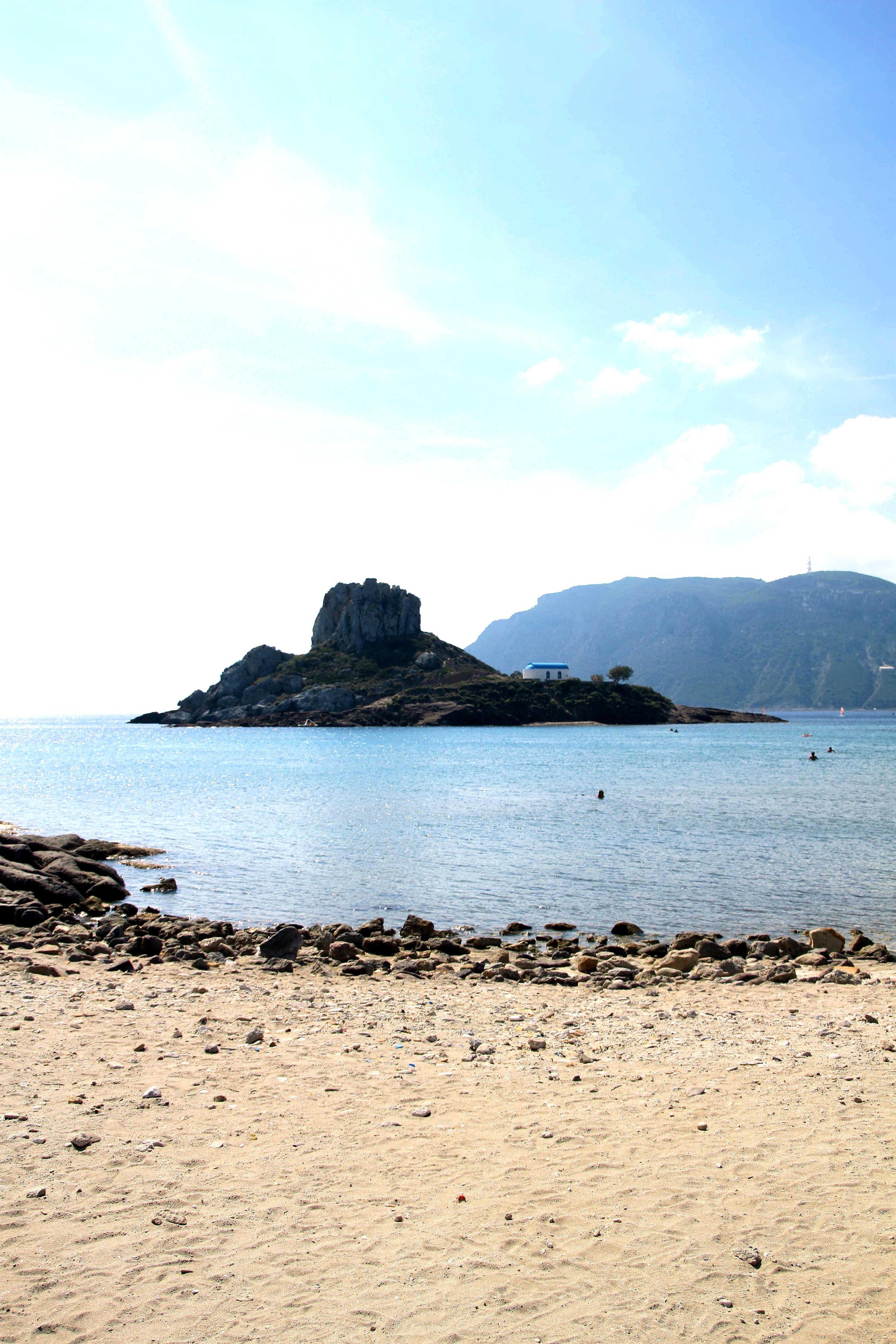 Agios Stefanoksen kaunis ranta.
