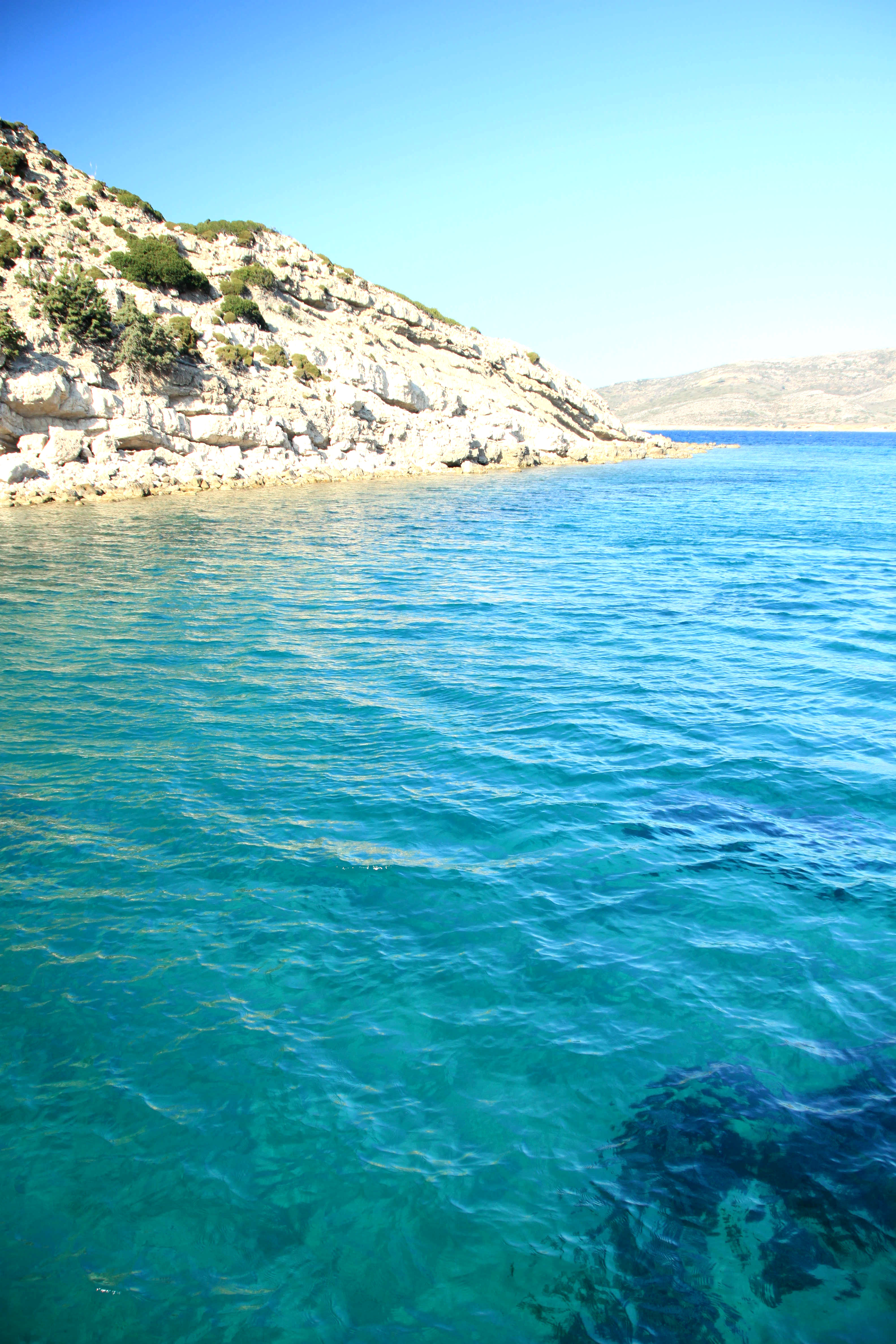 Platin saaren edustalla sai snorklata kirkkaassa vedessä.