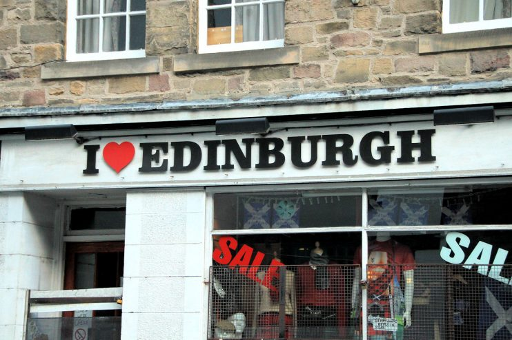 Lumoava Skotlanti osa 1: matkalle lähtö ja pikavisiitti Edinburghiin