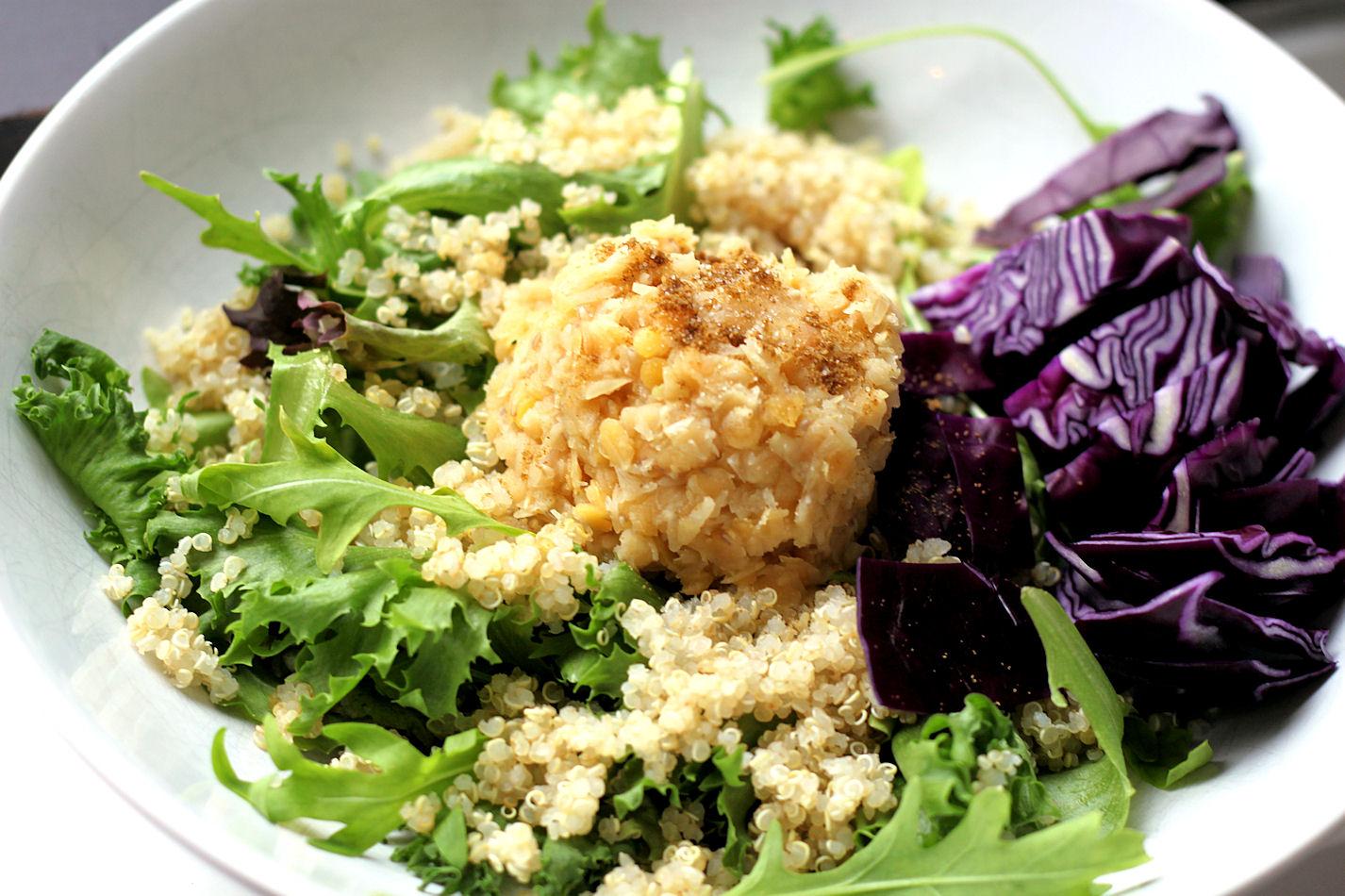 linssejä ja kvinoaa