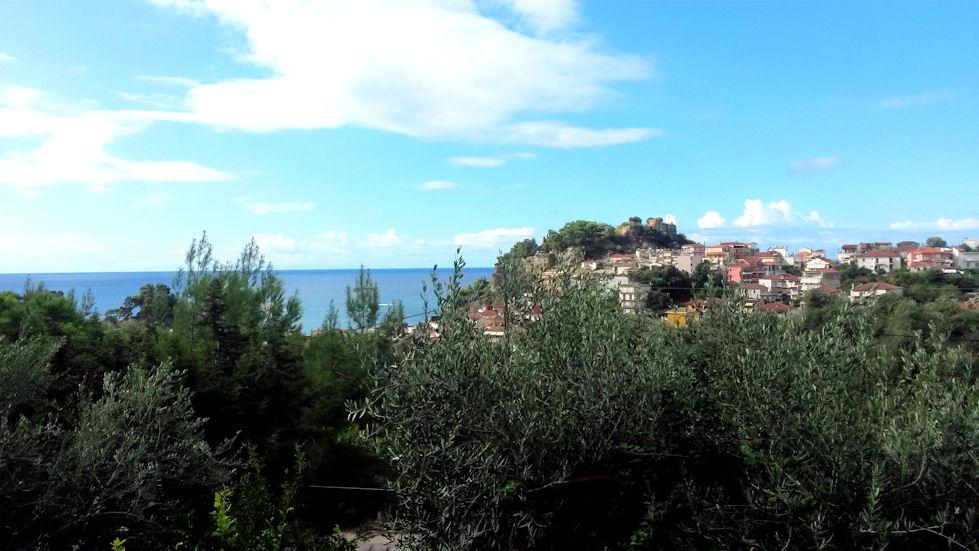 Hotellihuoneemme parvekkeelta oli upeat maisemat venetsialaiselle linnoitukselle sekä merelle.