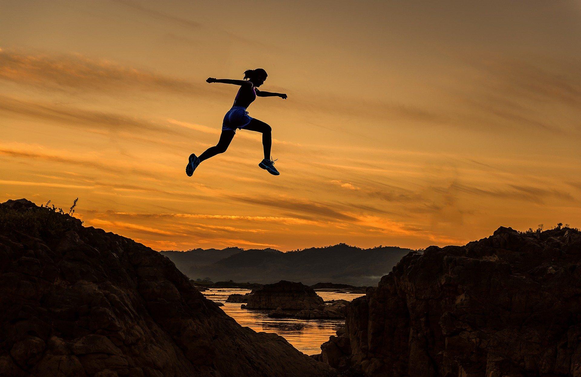 Luottamus kantaa tuntemattoman tulevaisuuden edessä uuteen huomiseen