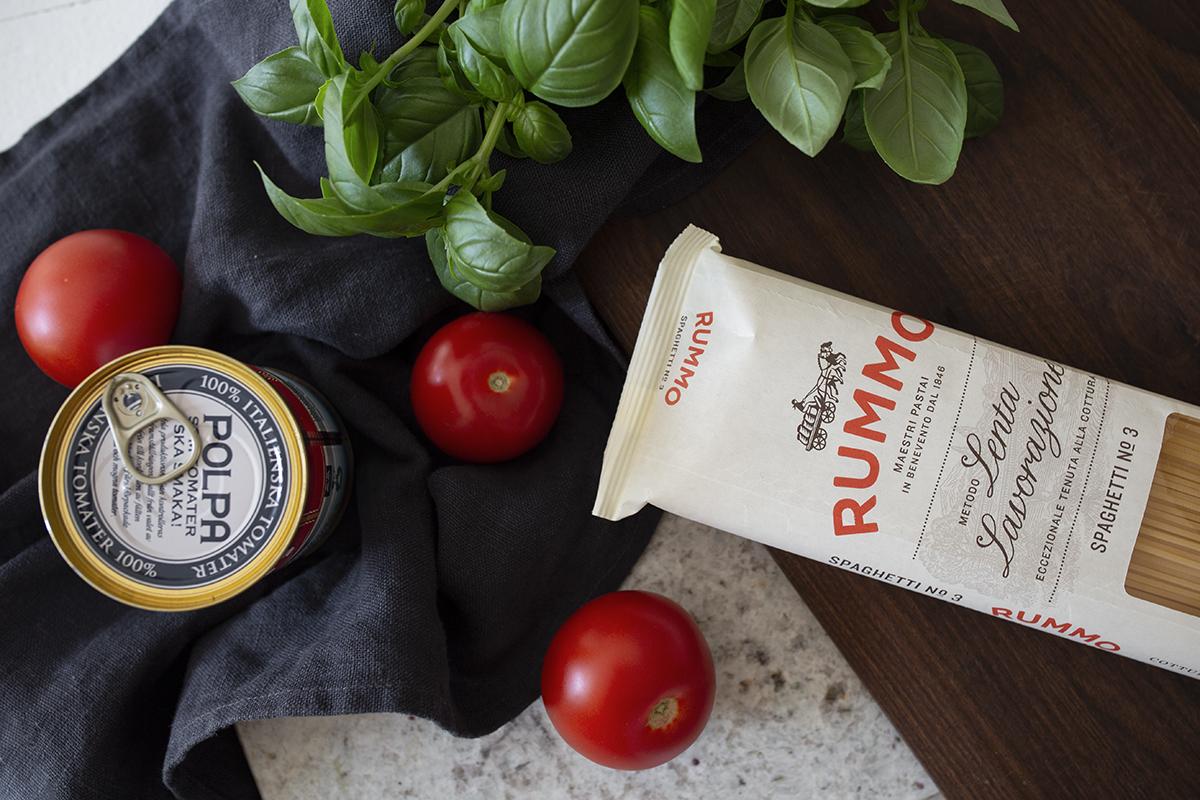 Tervehdys keittiöstä ja luottoarkiruokani chorizopasta