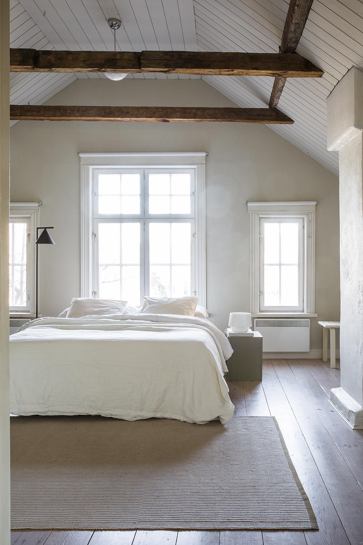 makuuhuone hiekan sävy
