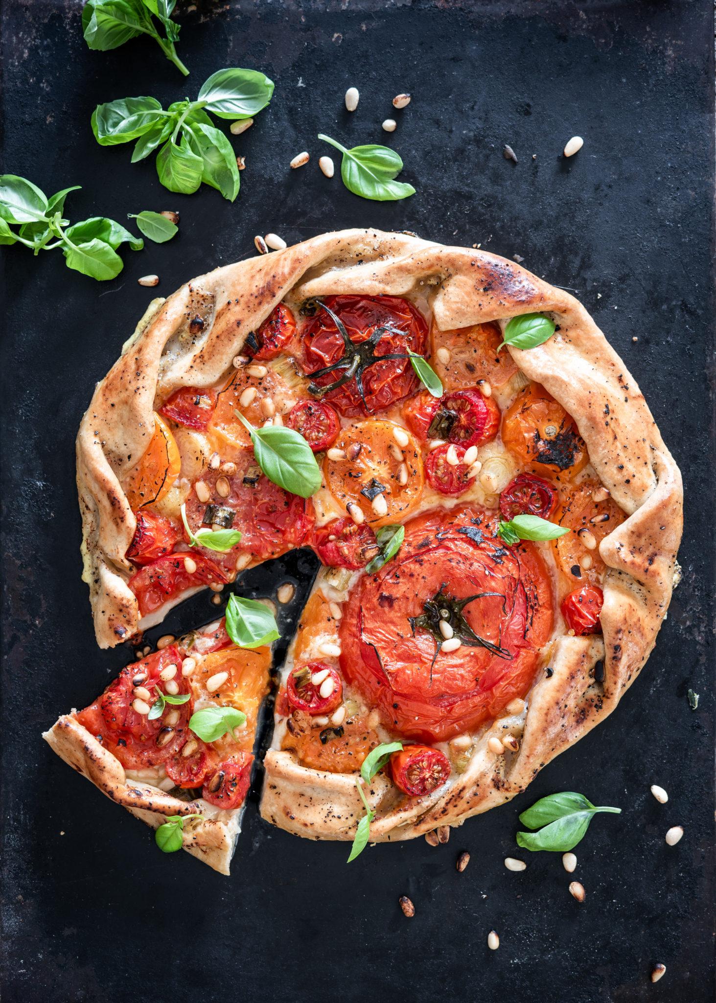 Tomaatti-mozzarellagalette