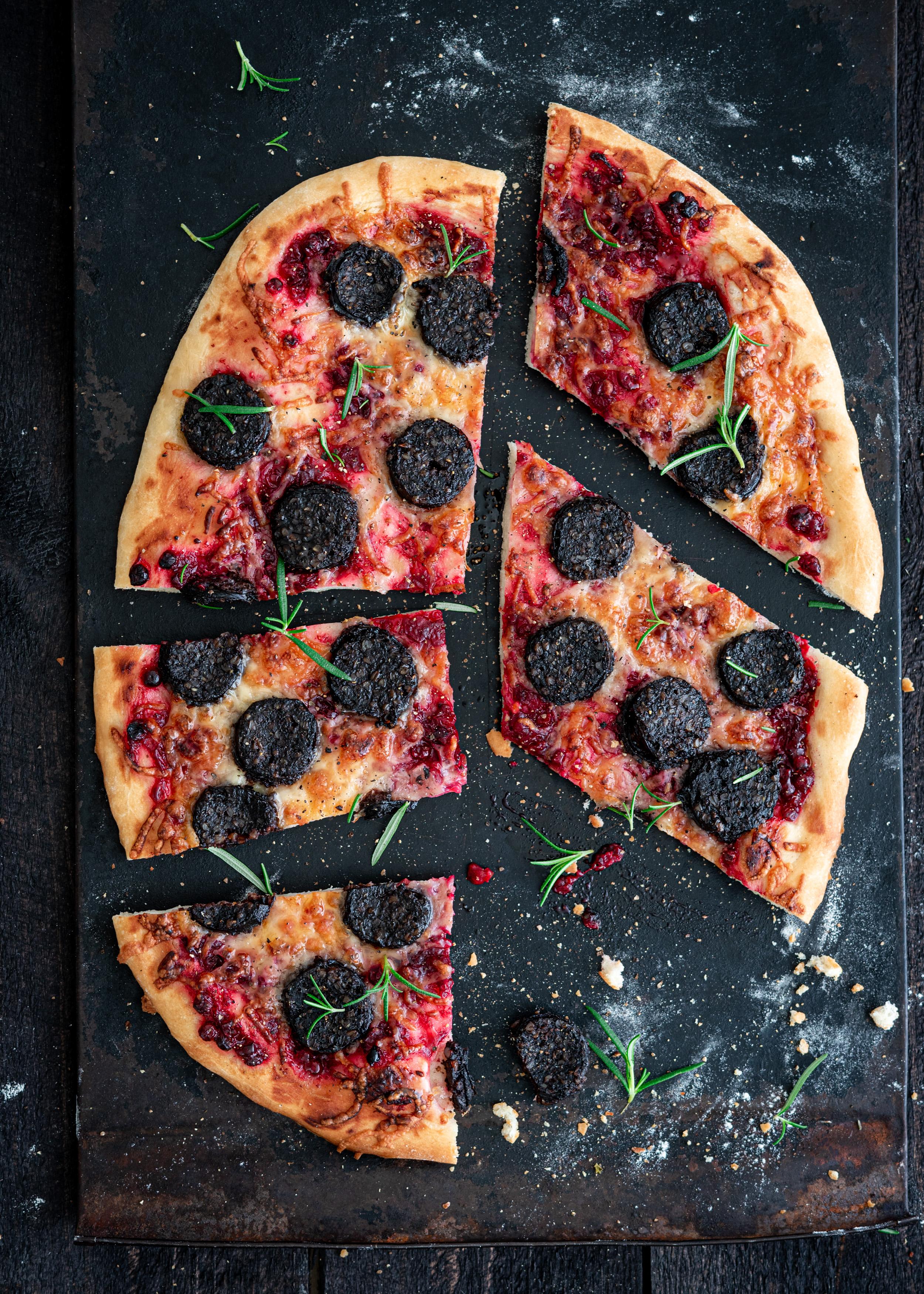mustamakkarapizza