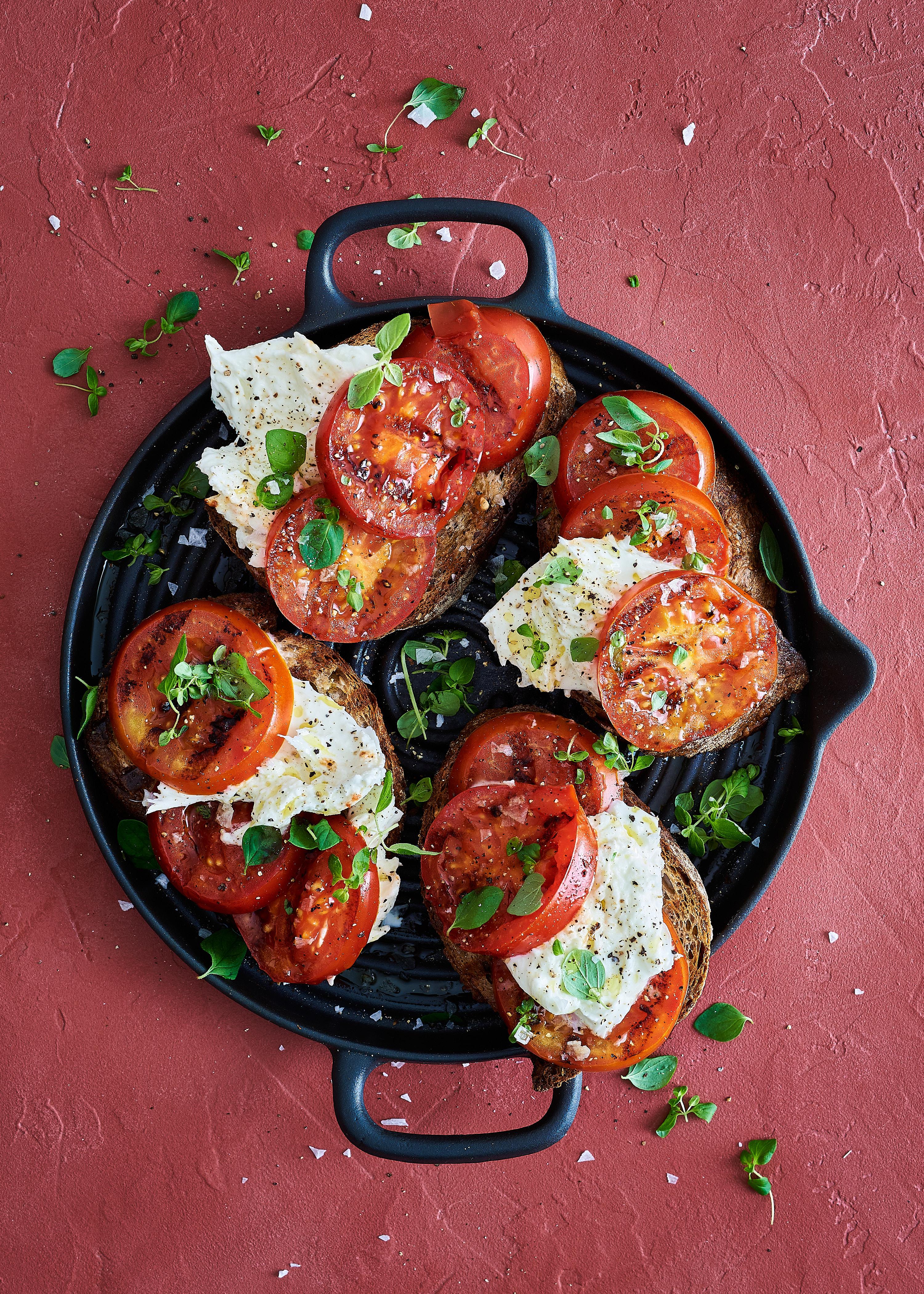Grillatut tomaattileivät