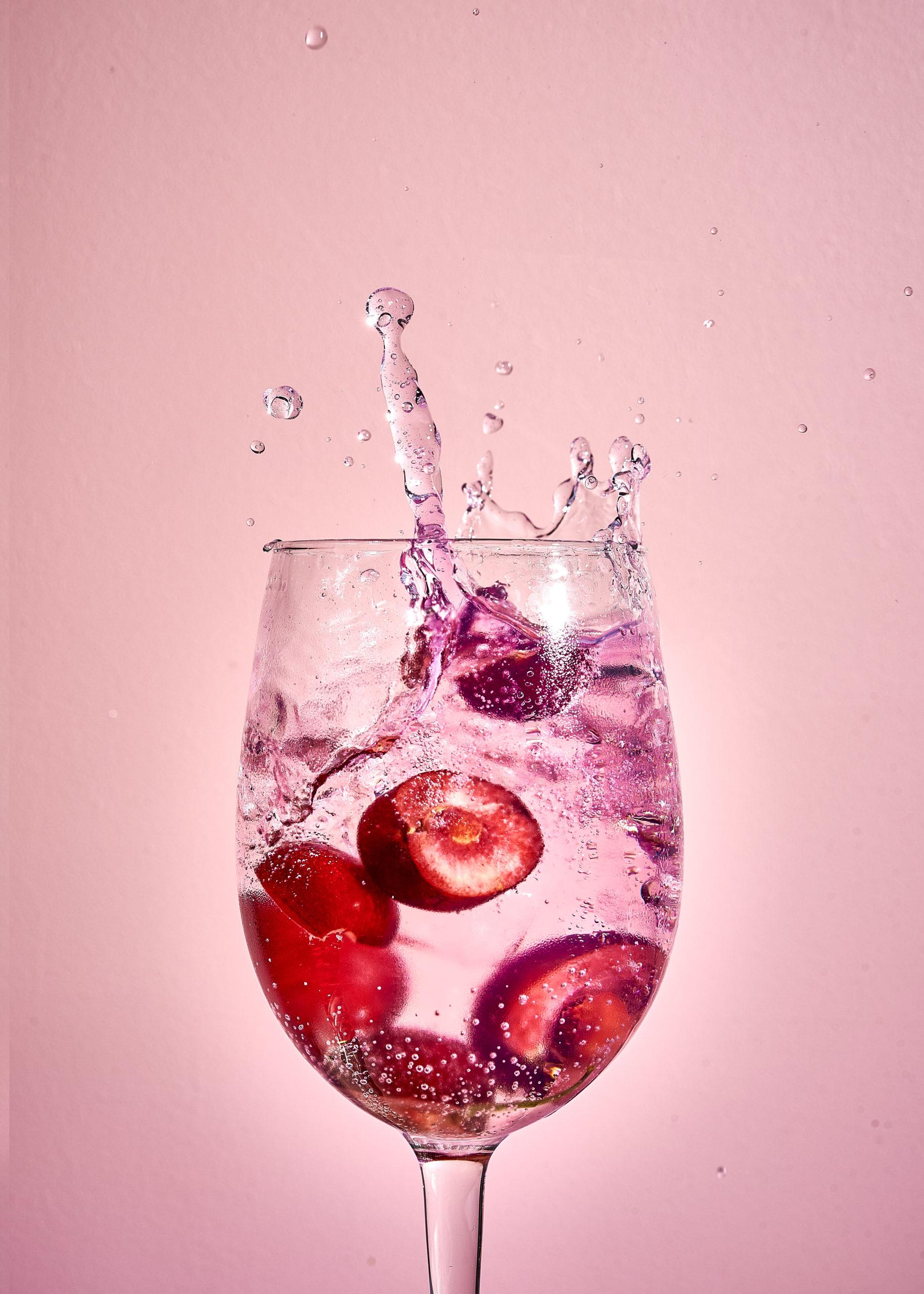 kirsikka gin tonic