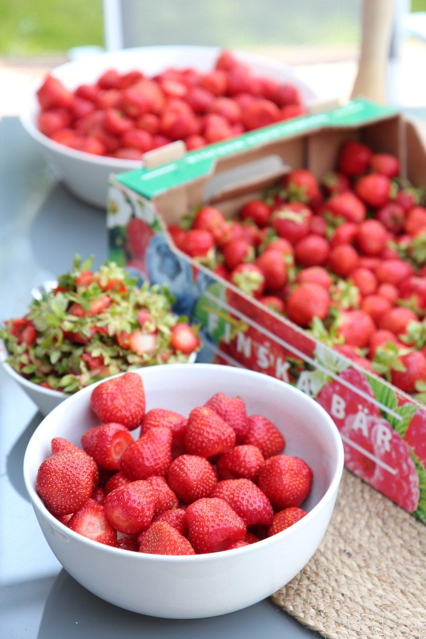 Vapaapäivää ja mansikoita
