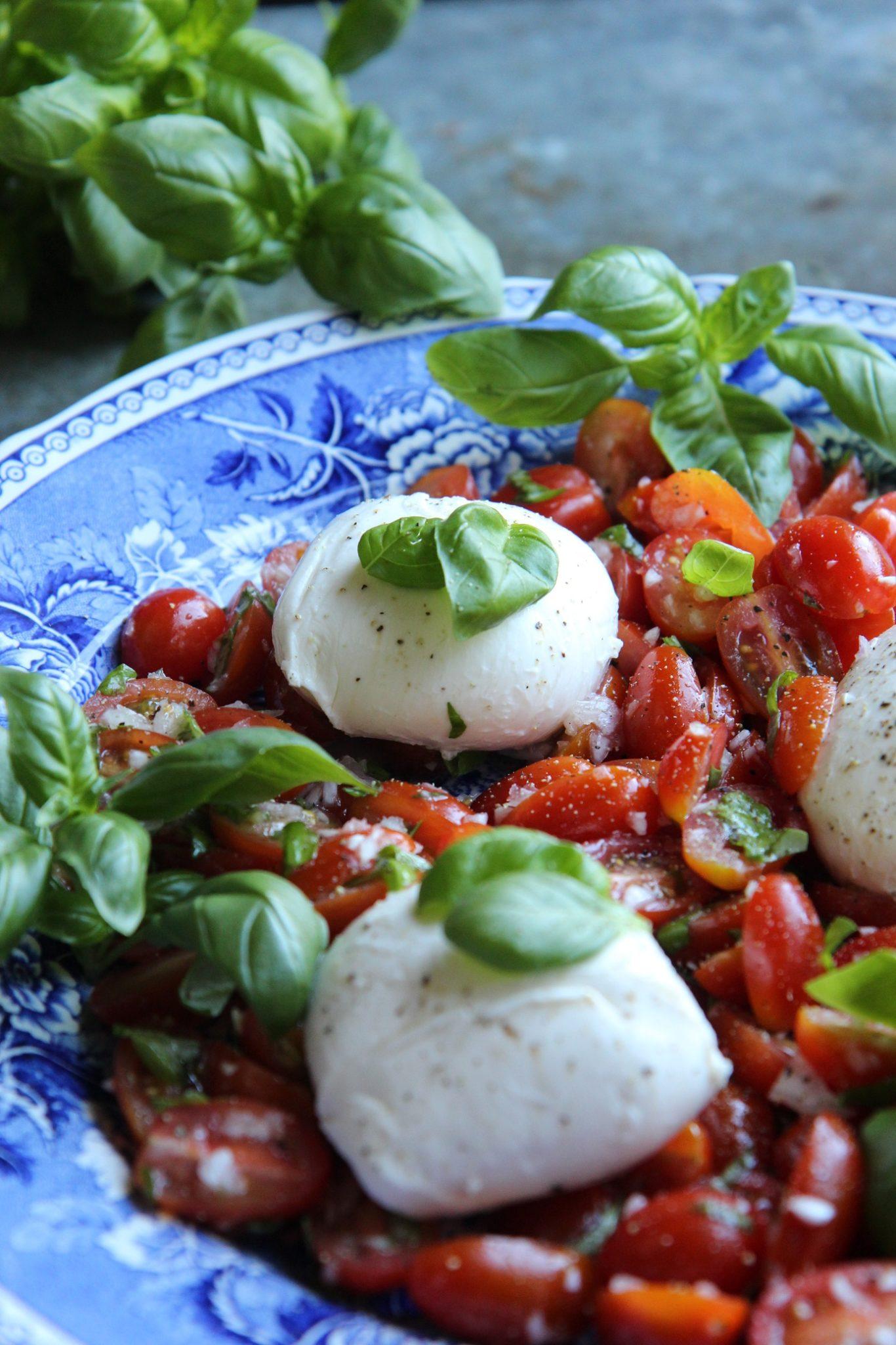 Mozzarella Tomaattisalaatti