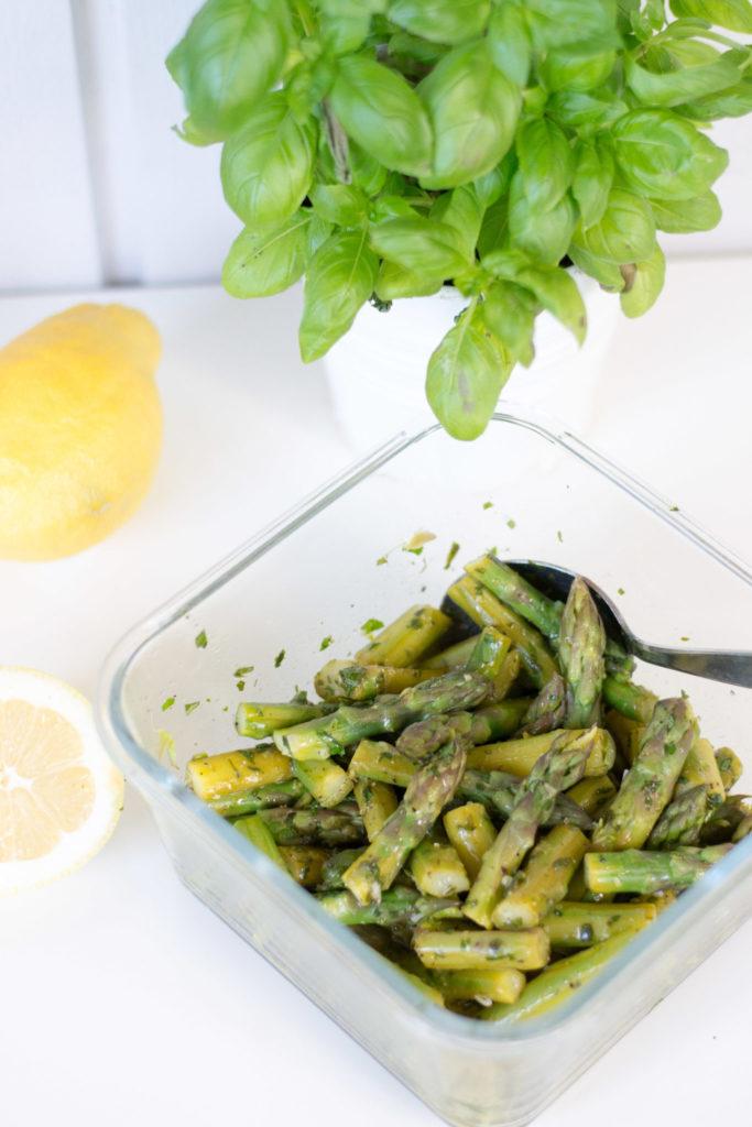 Marinoitu vihreä parsa