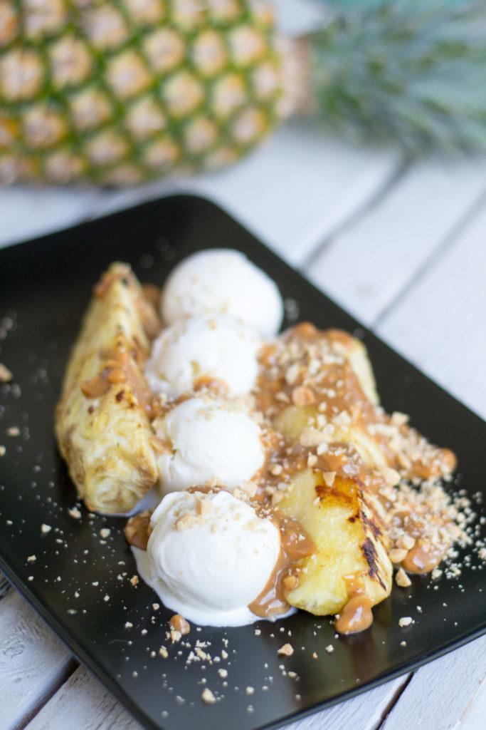 Makumatkalla: Grillattu ananas ja suolapähkinäkinuski
