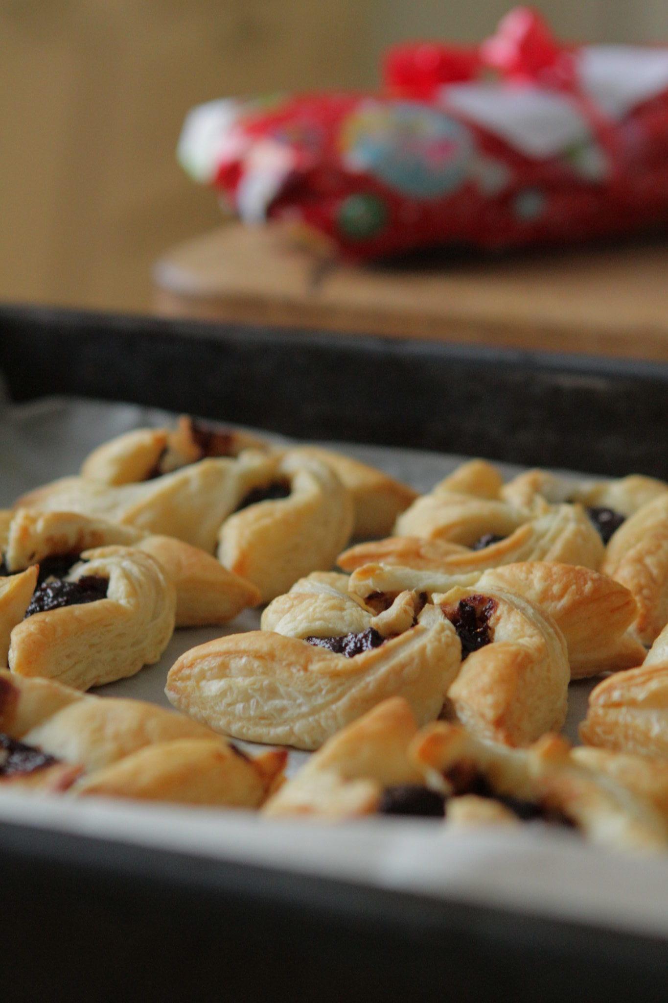 Joulutorttujen itse tehty luumutäyte on sokeriton ja helppo tehdä!