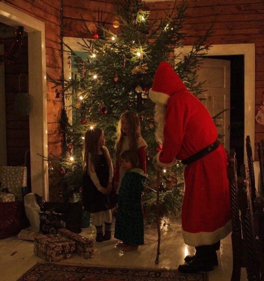 Joulupukki, santa Claus, santa and kids