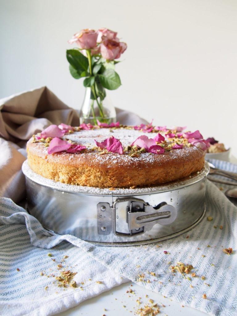 Persialainen rakkauskakku (persian love cake)