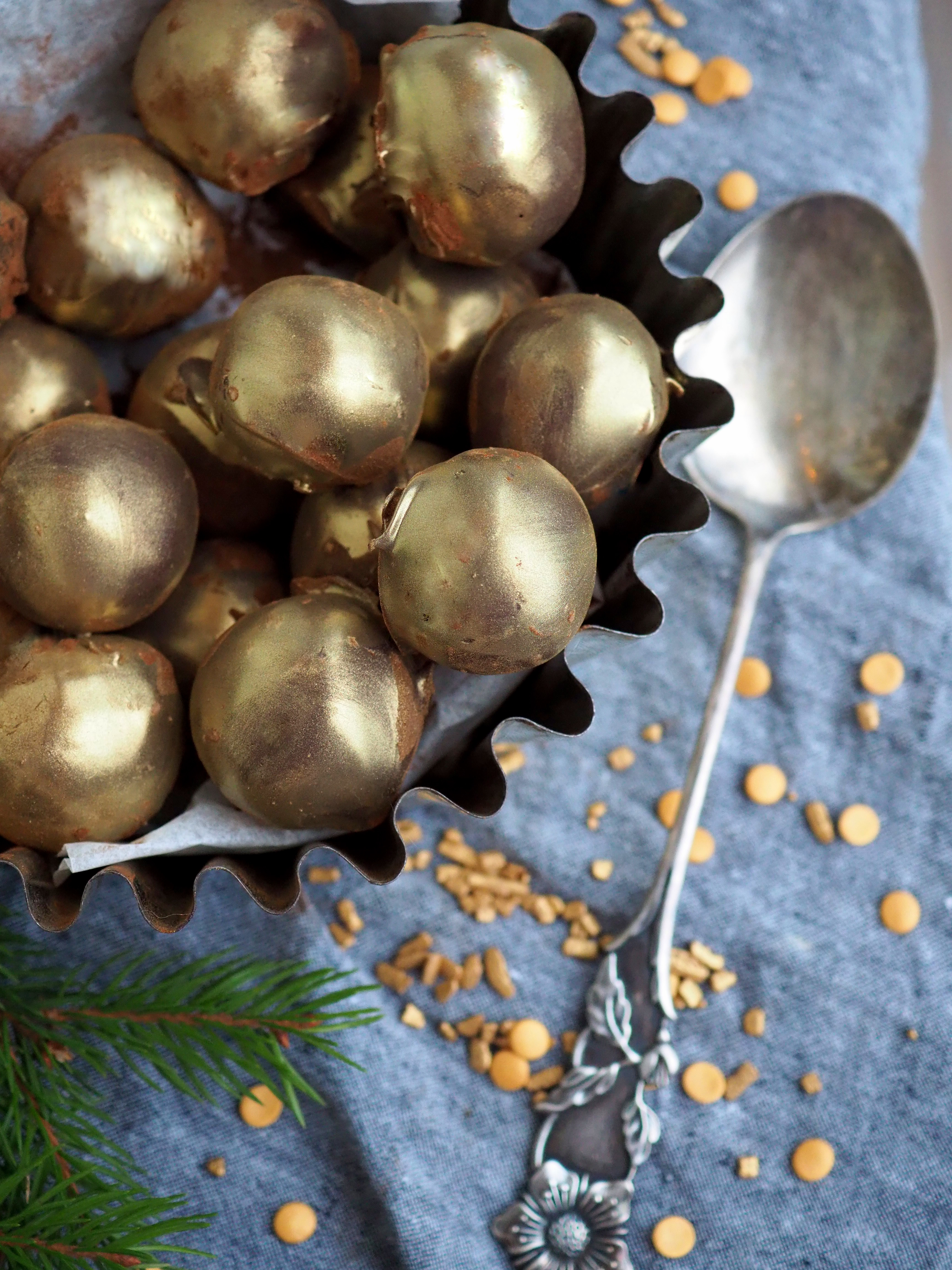 Kultaiset suklaatryffelit – Joulukalenteri luukku 22