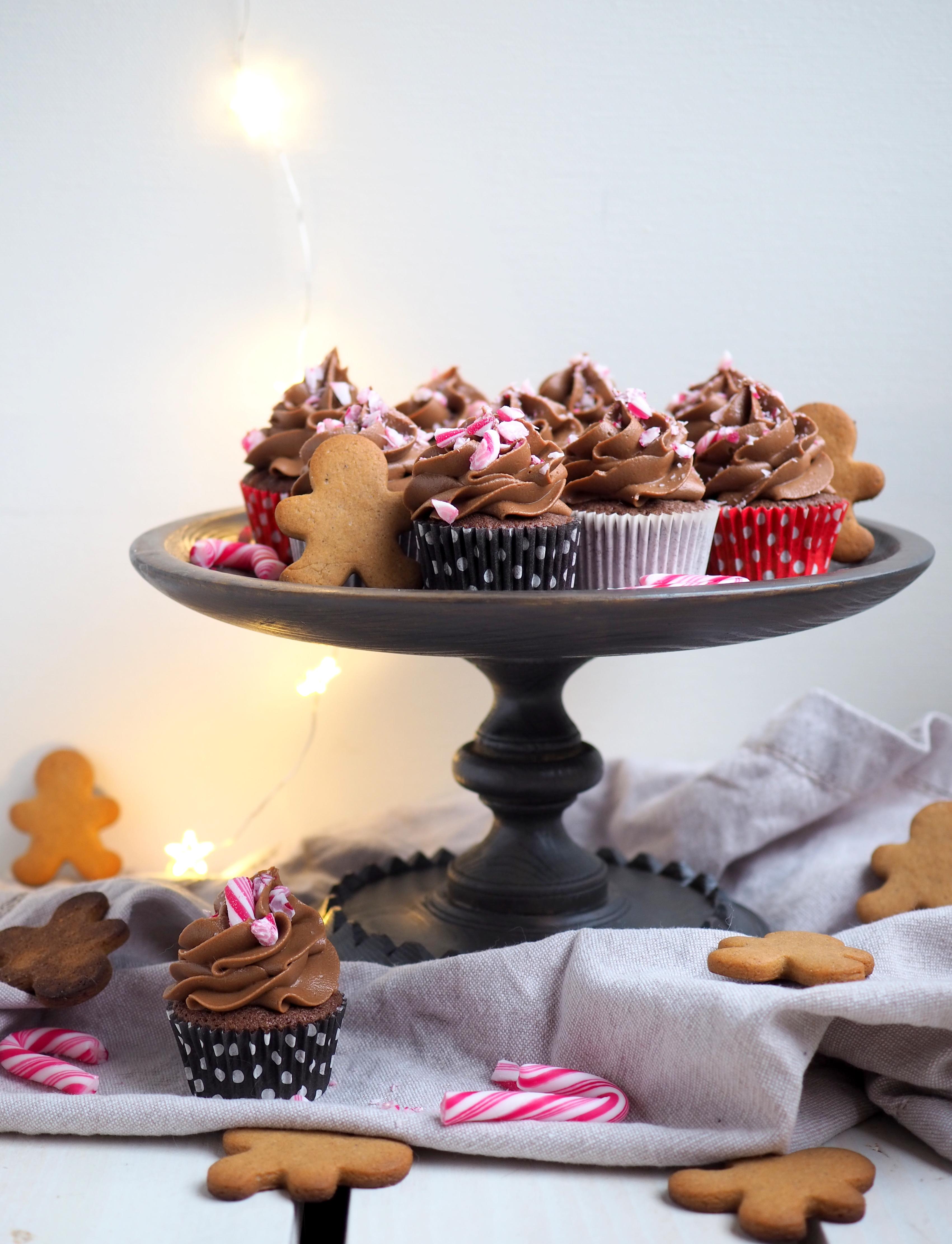 Suklaa-piparikuppikakut – Joulukalenteri luukku 20