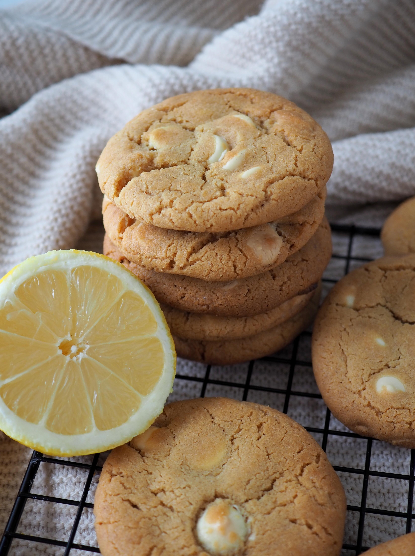 Sitruuna-valkosuklaa cookies