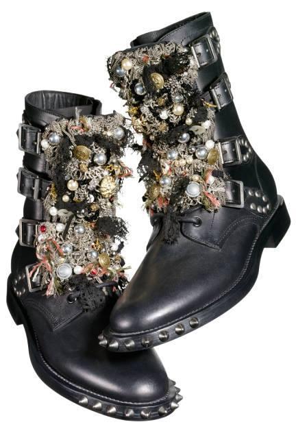 ei ne ole tällaiset ne kengät, mutta nää on yhtä vaaralliset!