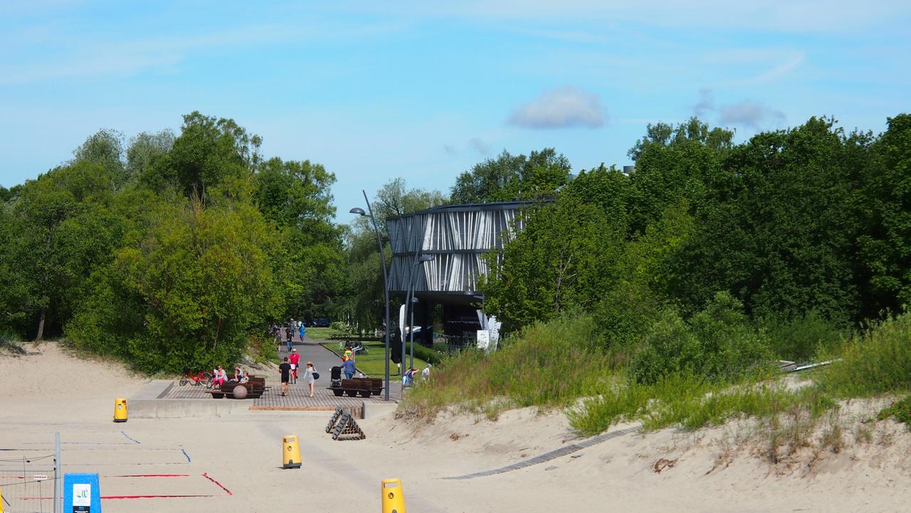 Hedon Spa -hotellin uusi osa rannaltappäin