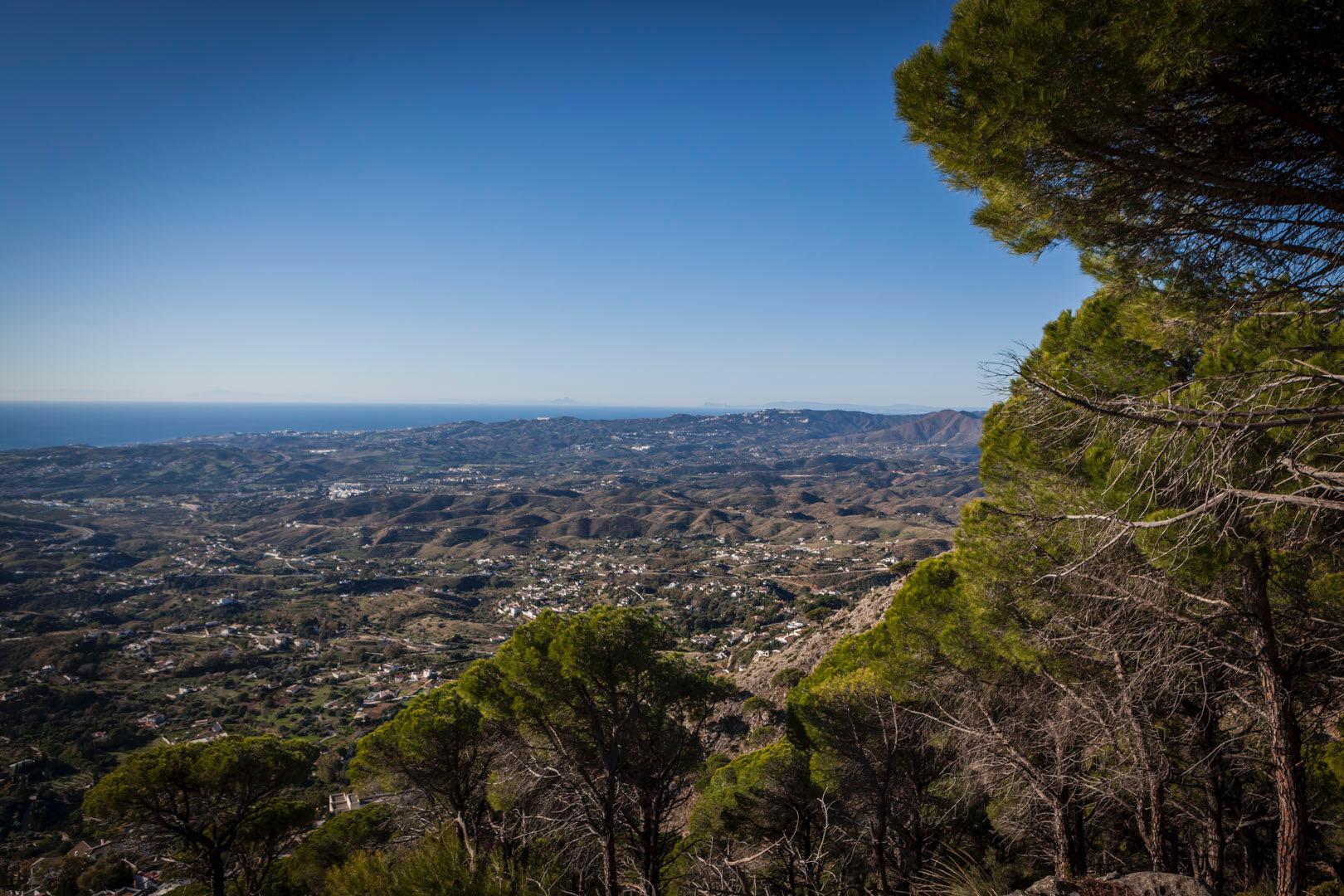 Fuengirola vuorilta nähtynä